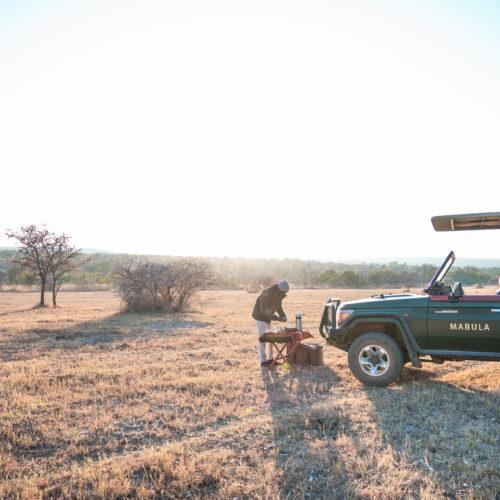 kwafubesi-safari-coffee-with-Vehicle